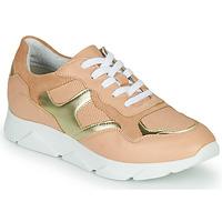 Shoes Women Low top trainers André HAVILAH Pink