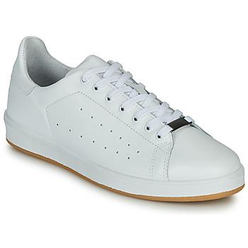 Shoes Men Low top trainers André MATT White