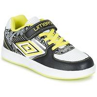 Shoes Boy Low top trainers Umbro COGAN Black