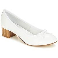 Shoes Women Flat shoes André POETESSE White